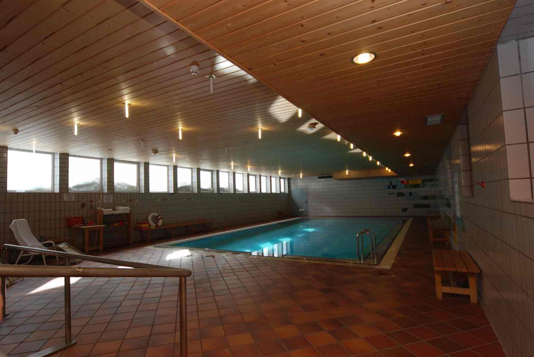 Sport-Hotel-Pampeago-piscina-interna