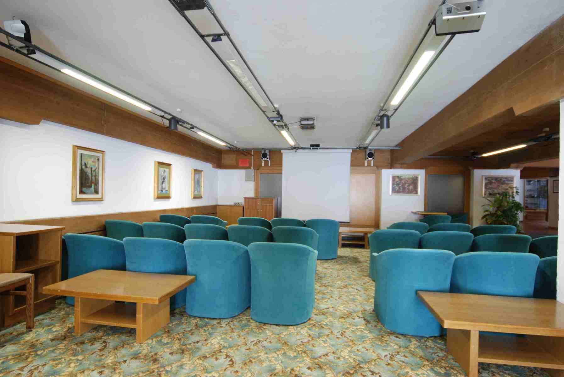 Sport-Hotel-Pampeago-sala-congressi